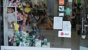 Mulher leva carteira de dona de loja com 500 euros em Espinho