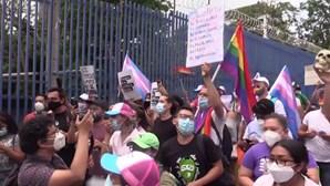 Transgénero saem à rua em El Salvador para pedir reconhecimento da identidade de género