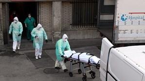 Incidência da Covid-19 em Espanha em descida lenta para 687 casos por 100 mil habitantes