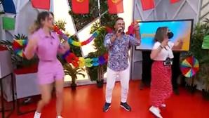 Ricardo Mateus cantou 'Baila Encosta' no arraial do Manhã CM