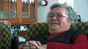 Dores e impotência: Maria José espera desesperadamente por operação aos joelhos há 240 dias