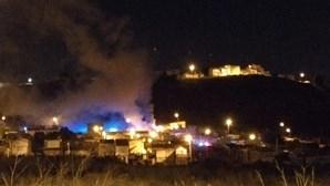 Incêndio na Amadora destrói duas casas