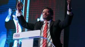 """SEF, imigração e """"genocídios da esquerda"""" foram temas dos discursos no Congresso do Chega"""