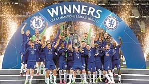 Chelsea faz festa da vitória na Liga dos Campeões no Porto