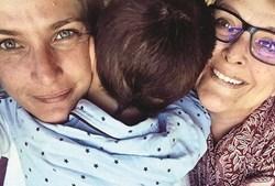 Luísa Castel-Branco com uma das filhas, Inês, e o neto, Simão