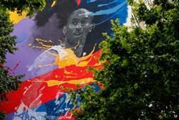 Kobe Bryant eternizado em campo de basquetebol e prédio de 12 andares em Lisboa