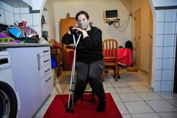Mulher fica incapaz de andar após operação às varizes em Peniche