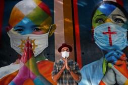 Mural foi criado pelo artista brasileiro Eduardo Kobra