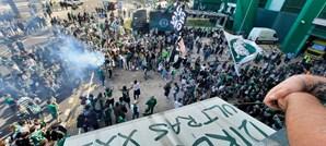 Centenas de adeptos preparam festa em Alvalade