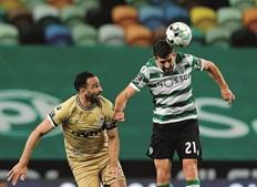 Após um encontro sofrido, devido à incerteza do resultado até final, os jogadores do Sporting festejaram. Paulinho e Rami (Boavista) protagonizaram um duelo intenso no relvado