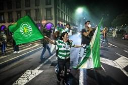 Adeptos do Sporting em festejos