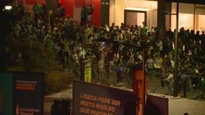 Confrontos entre adeptos e polícia no Marquês
