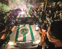 Braga. Na cidade dos arsenalistas, a festa foi do outro Sporting. até este Mercedes vestiu verde e branco.