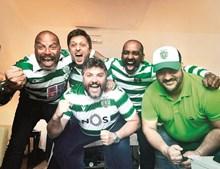 César Mourão festejou junto dos amigos