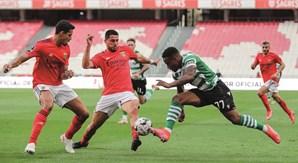 Dérbi intenso entre Benfica e Sporting na Luz