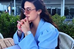 Danielle mostra luxos nas redes sociais