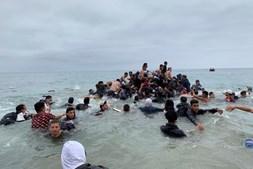 Entre os migrantes estão mais de mil crianças e muitas famílias