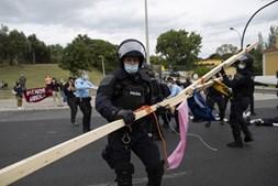 Jovens ativistas manifestaram-se na Rotunda do Relógio