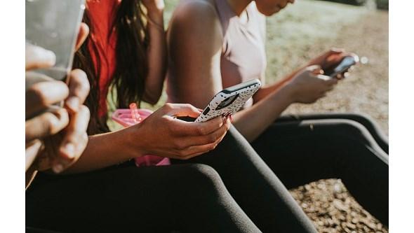 """A """"fadiga pandémica"""" e o vício das redes sociais. Psicóloga explica o que mudou nas relações pessoais"""