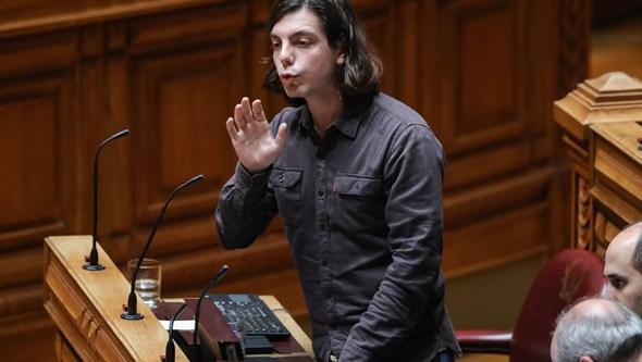 Deputado do Bloco de Esquerda acusado de violência doméstica renuncia à candidatura a Gaia