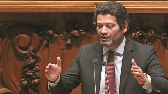 André Ventura quer público nos estádios