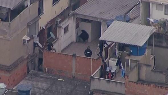 Pelo menos 25 mortos em operação da polícia numa favela do Rio de Janeiro. Veja as imagens
