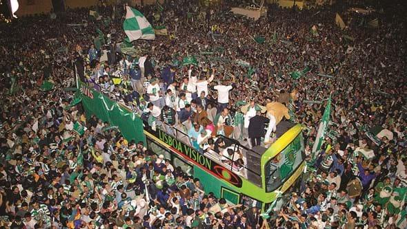 A festa do Super Leão em 2002: Recorde o último título de campeão nacional do Sporting