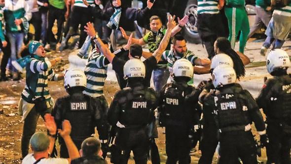 PSP impede encontros entre claques do Benfica e do Sporting no dérbi