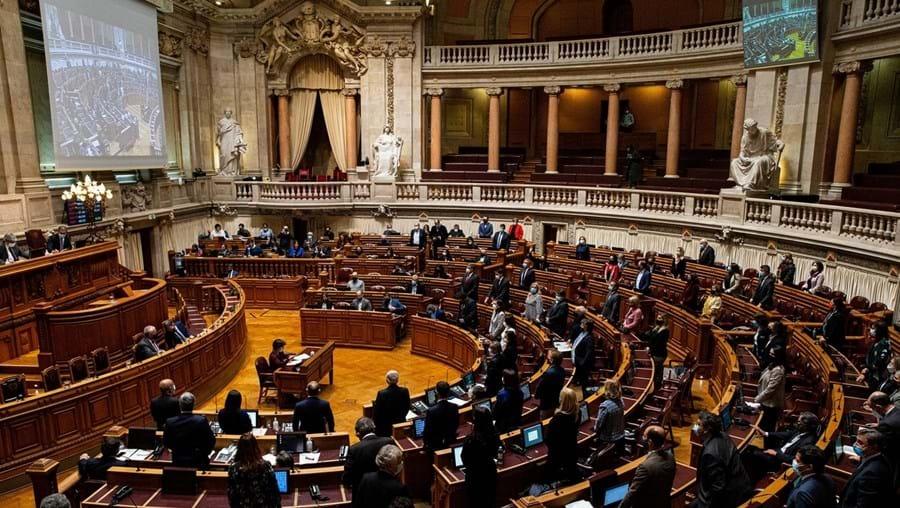 Assembleia da República discute na próxima quarta-feira cinco propostas que regulamentam os custos do trabalho à distância