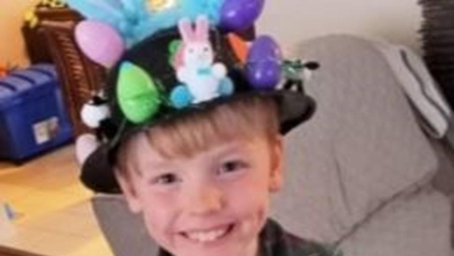 Menino de seis anos morre enquanto brincava com 'pinguim com trela'