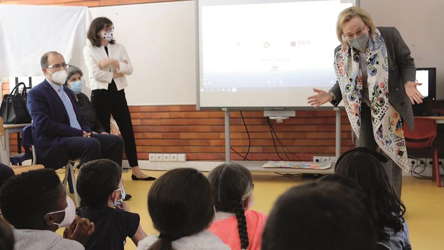Graça Freitas, diretora-geral  da Saúde, visitou escola em Lisboa