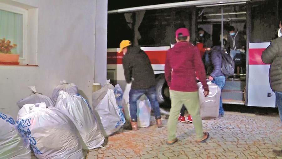 Migrantes foram realojados durante a noite no complexo turístico Zmar e na Pousada da Juventude de Almograve