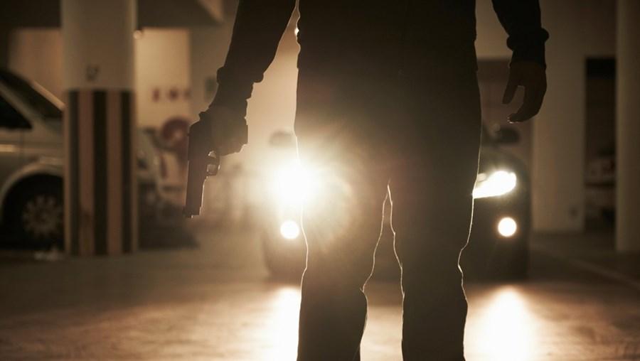Acusados dispararam contra carro