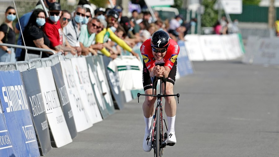 Kasper Asgreen foi o mais rápido no contrarrelógio de 20,3 km