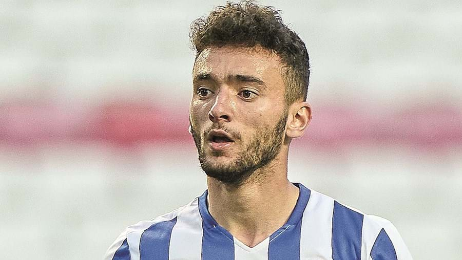 João Mário, 21 anos, fez a assistência para o golo do empate de Uribe na Luz, no último clássico
