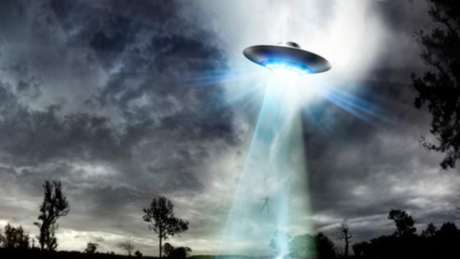 Imagens ilustrativa de uma nave alienígena