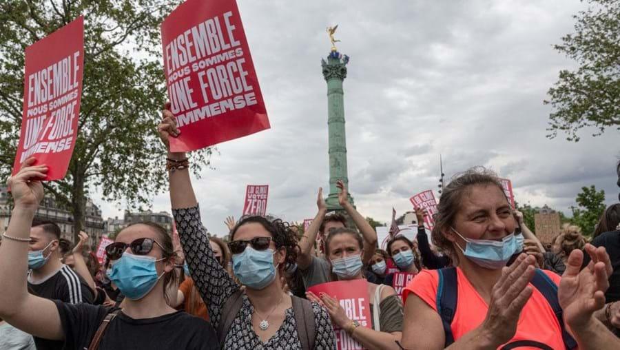 Milhares manifestaram-se em Paris por uma lei climática mais ambiciosa