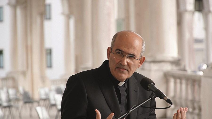 """D. José Tolentino Mendonça está em Fátima a presidir à peregrinação e chegou ao Santuário a pé, para """"sentir o que sentem os peregrinos"""""""