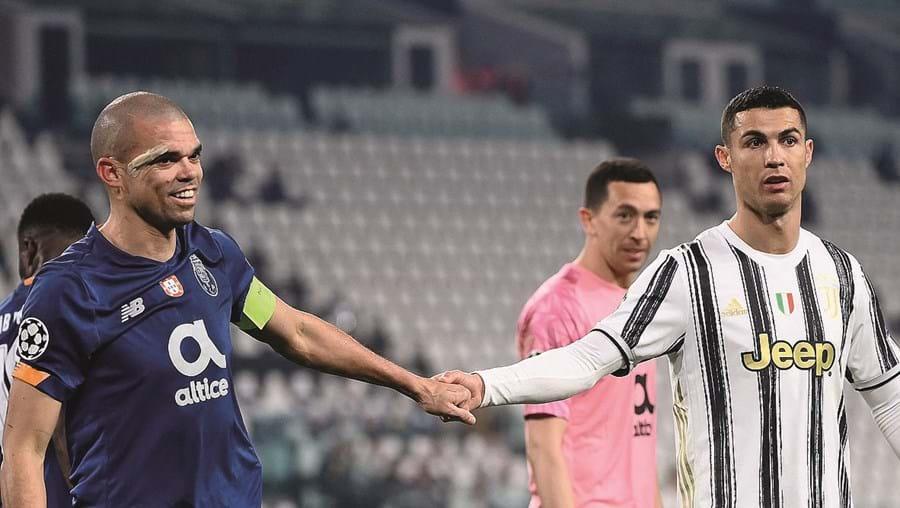 Pepe e Ronaldo no jogo da Champions este ano