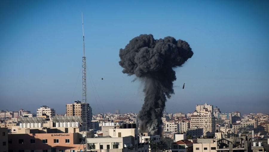Bombardeamentos em Gaza