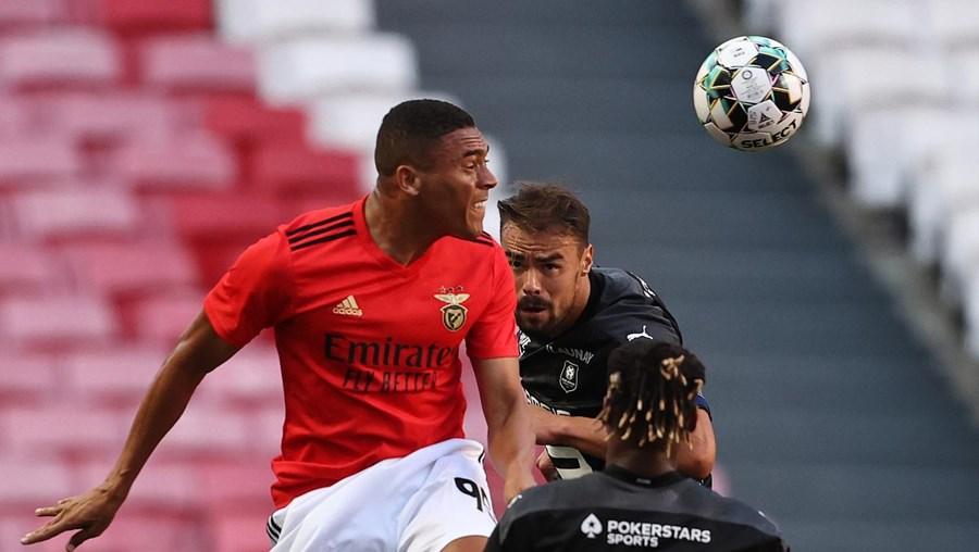 Vinícius jogou na época passada no Tottenham, mas pertence ao Benfica