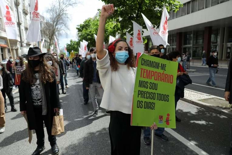 Mais de mil pessoas protestam em Lisboa pelos direitos dos trabalhadores