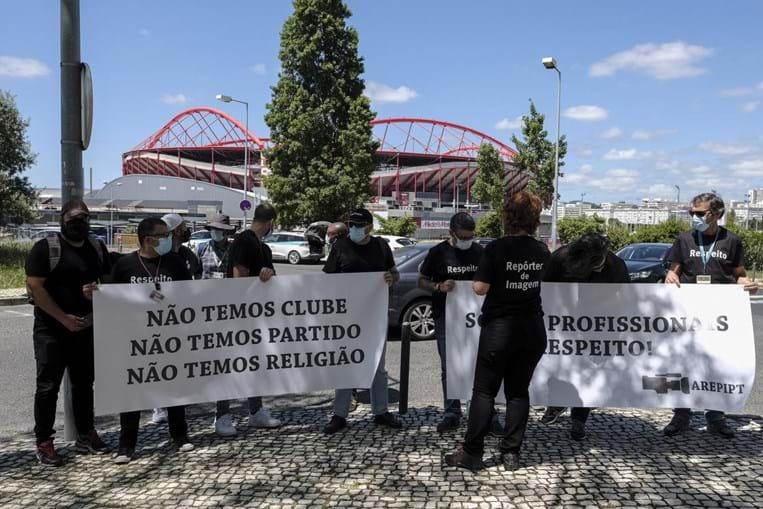 Repórteres de Imagem manifestam-se em Lisboa contra ataques verbais e físicos a equipas de reportagem