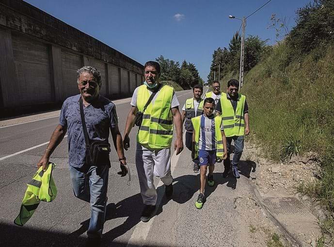Apelo da fé leva peregrinos de Albergaria-a-Velha a trilhar os cerca de 140 quilómetros até ao Santuário de Fátima