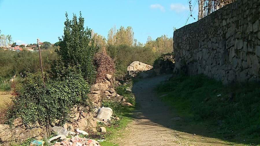 Caminho onde o cadáver da vítima foi largado pelos homicidas