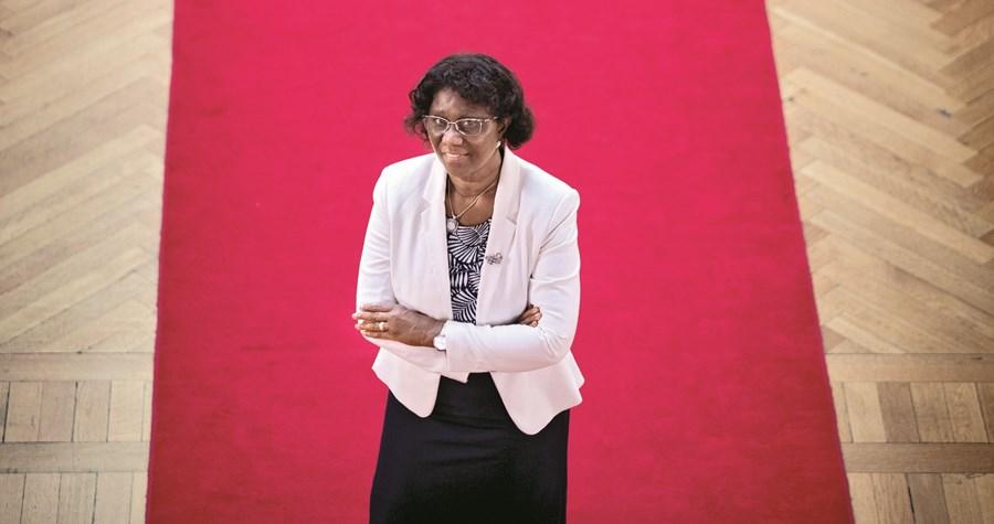 Deputada Romualda Fernandes