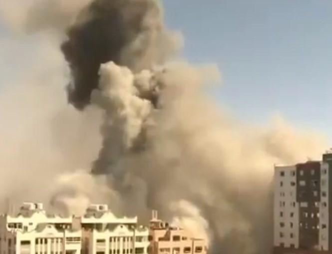 Edifício da Al Jazeera e AP em Gaza ficou destruído