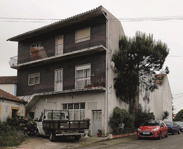 Atirador realizou disparos a partir da varanda da casa onde reside