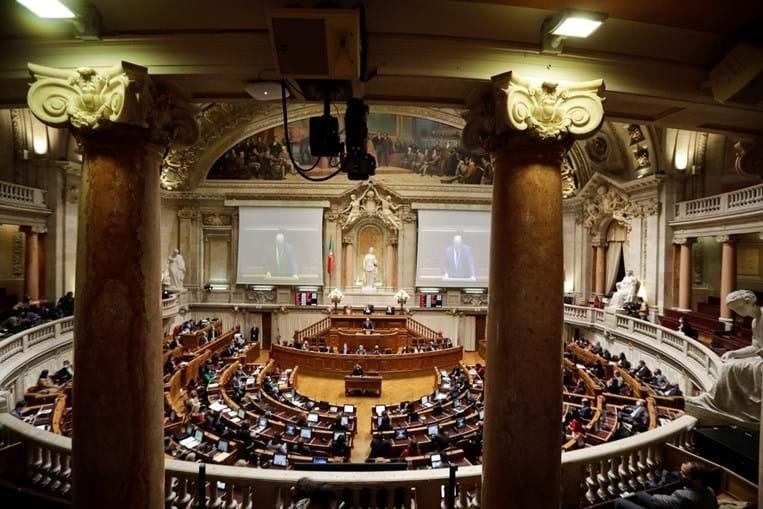 Primeiro ano de trabalho na atual legislatura correspondeu à entrega de 1169 propostas por parte dos 230 deputados