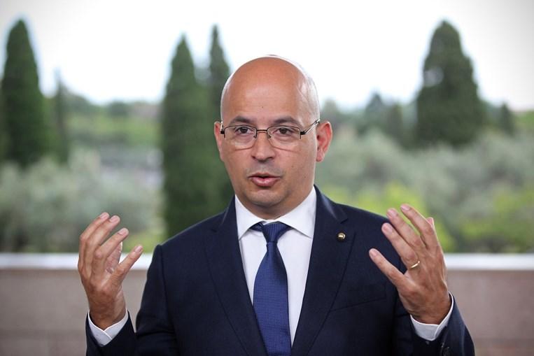 João Leão diz que a UE está a estudar um imposto de cariz ambiental